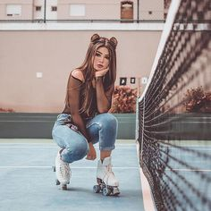 Dpz for girls Portrait Photography Poses, Tumblr Photography, Creative Photography, Fashion Photography, Photography Photos, Girl Photo Poses, Girl Poses, Picture Poses, Photo Swag