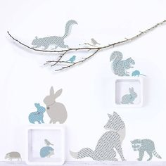 Create a woodland scene in your child's room or baby nursery with these charming wall stickers. Includes a fox, squirrels, rabbits, hedgehogs and a baby badger!