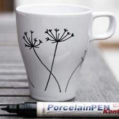 Design your own mugs with a porcelain marker. Tutorial in English & Swedish.