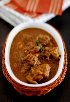 SPICY MUTTON CURRY ~~~ if one has no access to mutton, either lamb or hogget can be substituted. [India, Kerala] [mariasmenu]
