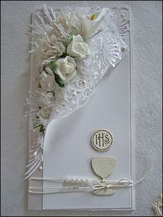 Would make a beautiful wedding card. Would make a beautiful wedding card. Envelopes Decorados, First Communion Cards, Tarjetas Diy, Wedding Cards Handmade, Shabby Chic Cards, Wedding Anniversary Cards, Card Wedding, Engagement Cards, Paper Cards