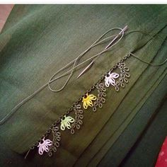 İğne Oyaları /Needle Lace @ 👆👆👆 page. Crochet Unique, Crochet Motif, Knit Crochet, Crochet Patterns, Embroidery Techniques, Embroidery Stitches, Hand Embroidery, Needle Lace, Needle And Thread