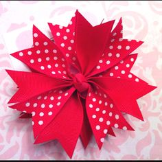 Giggly Girl Bowtique on FB! Kids Hair Bows, Ribbon Hair Bows, Diy Hair Accessories Ribbon, Hair Bow Supplies, Gift Wrapping Bows, Craft Stalls, Fru Fru, Cloth Flowers, Bow Tutorial