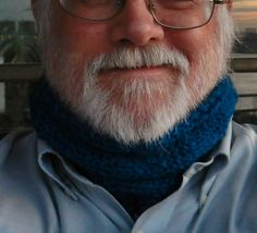 Ravelry: Davis's mobius cowl pattern by Diane L Augustin Neck Scarves, Cowls, Ravelry, Knitting Patterns, Gift, Products, Cable Knitting Patterns, Knit Patterns, Presents