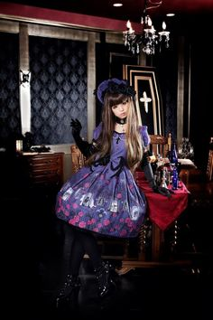 gothic lolita with red and purple
