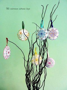 Adornos de navidad Lapua. Dream Catcher, Bilbao, Christmas, Home Decor, Christmas Ornaments, Hand Embroidery, Hair Bows, Colors, Needlework