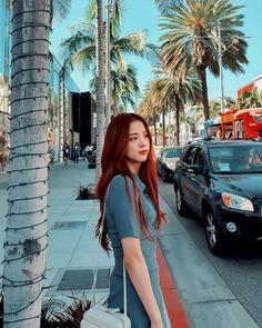 Jisoo, Jennie, Rosé, and Lisa Blackpink are hitting up the UK in spring. Yg Entertainment, Lisa, South Korean Girls, Korean Girl Groups, Home Studio Photography, Ulzzang Korean Girl, City Aesthetic, Blackpink Photos, 1 Rose