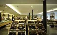 Pur Sudtirol Meran Genussmarkt (Merano, Italy): Top Tips Before You Go - TripAdvisor South Tyrol, Trip Advisor, Table Decorations, Italy, Drink, Photos, Retail, Food, Tips