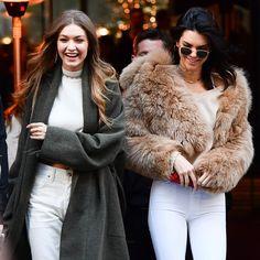Lo que puedes comprar en rebajas (y cuánto te va a costar), según Gigi Hadid y Kendall Jenner