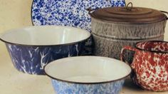 I love old enamelware and graniteware...I have been lucky enough to find some on the curb!