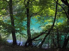 Szilvásvárad, a pisztrángos tó az ősember barlangjához menet