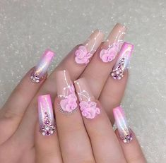 Discover new and inspirational nail art for your short nail designs. Cute Gel Nails, Gel Nail Art, Pretty Nails, My Nails, 3d Nail Designs, Short Nail Designs, Acrylic Nail Designs, Silver Nails, Bling Nails