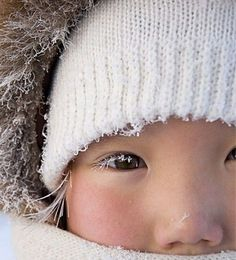 Living in the Cold - i love winter! Pretty Eyes, Beautiful Eyes, Beautiful People, I Love Winter, Winter Kids, Kids Around The World, People Around The World, Precious Children, Beautiful Children