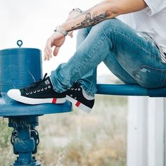 """sagiakos.grTo quote da fancy mister deejay @velvetmode """"spend some time with yourself and a new pair of #converse all stars""""! Swipe left to see more and tap on the bio link for details! #sagiakosgr #velvetmode #allstars #ss18 #springsummer2018 #newcollection #sneakers"""