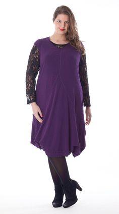 Exelle | curvy fashion | fashionable body hugging dress