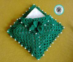 Imagine sua mesa decorada com este lindo Porta Guardanapo... Ficará um encanto e dará um toque todo especial. Confeccionada com Linha Anne . Você pode escolher a COR desejada para personalizar seu produto, para saber se a cor desejada está disponível basta entrar em contato comigo pelo botão ... Diy Crochet, Crochet Doilies, Crochet Stitches, Crochet Top, Tissue Box Covers, Tissue Boxes, Crochet Designs, Crochet Patterns, Crochet Organizer