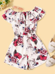 To find out about the Large Floral Print Tiered Ruffle Romper at SHEIN, part of our latest Jumpsuits ready to shop online today! Girls Fashion Clothes, Teen Fashion Outfits, Cute Fashion, Outfits For Teens, Girl Fashion, Clothes For Women, Cute Lazy Outfits, Crop Top Outfits, Cool Outfits