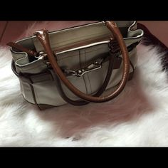 Little old but still nice. Cheap Coach Bags, Luxury Bags, Small Bags, Designer Handbags, Menswear, Fashion Design, Fashion Trends, Wallet, Nice