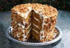 """It's The Great Pumpkin Cake, Charlie Brown!"" Pumpkin Crunch Cake with Cream Cheese & Mascarpone Frosting & Crunch Topping. Pumpkin Crunch Cake, Pumpkin Dessert, Pumpkin Spice, Köstliche Desserts, Delicious Desserts, Dessert Recipes, Sweet Desserts, Drink Recipes, Yummy Recipes"