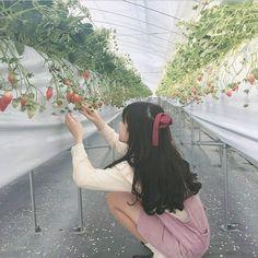 Ulzzang Korean Girl, Cute Korean Girl, Asian Girl, Girl Korea, Uzzlang Girl, Girl Photo Poses, Aesthetic Girl, Aesthetic Pictures, Girl Photography