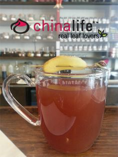 chinalife Ginger Blues - Robust River High Oolong steeped with sliced root ginger and rose. A deep and warming pick-me-up.