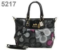 Cute coach purse!! Love the colors!!!! I want this!!!
