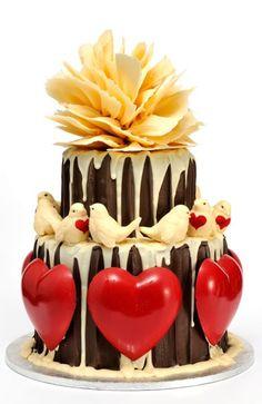 Lovebirds and heart cake
