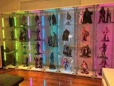 Awesome use of lighting in this display Action Figure Display Case, Toy Display, Display Cases, Comic Book Rooms, Horror Room, Game Storage, Small Apartment Design, Game Room Design, Home Theater Rooms