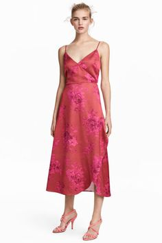 Átlapolt szaténruha - Piros/rózsaszín mintás - NŐI   H&M HU