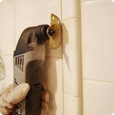 Removing a tile backsplash