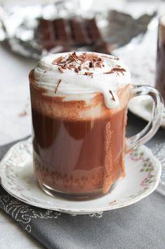 Chocolat Liégeois, chantilly coco {vegan} - aime & mange