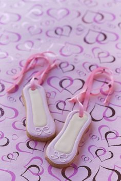 #CakeDecorating ballet shoe cookies omg- @ Sarah!!!