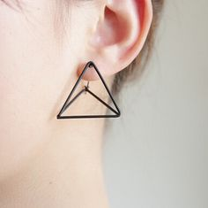 E116 Miễn Phí vận chuyển Punk Phong Cách Triangle Studs Earrings bán buôn