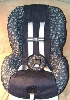 EVersion of the Universal Infant Car Seat Cover Pattern by mistymq