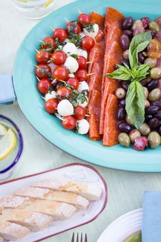 such a simple meal that makes a HUGE impact, great for backyard or outdoor entertaining!