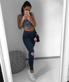 "9,368 Me gusta, 51 comentarios - MADELINE MERCEDES ♡ (@madelinemercedes) en Instagram: "" sneakers from @outlet46.de"""
