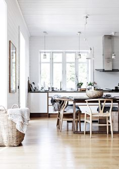 Kitchen Inspiration   Wishbone Chairs