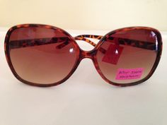 New Betsey Johnson Oversized Tortoise Brown Sunglasses. Starting at $5 on Tophatter.com! 7/27/2014