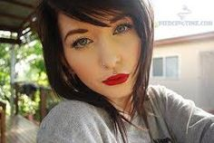 Cant remember where i found this but she is so beautiful, i love the makeup and the piercings so much. i have a nose piercing already but i am so tempted to get either the middle of my top or bottom lip pierced Medusa Piercing, Top Lip Piercing, Body Piercings, Septum, Philtrum Piercing, Labret, Beauty Tips For Hair, Beauty Hacks, Hair Beauty