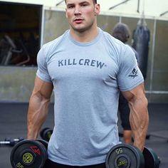 Bodybuilding T Shirts, Bodybuilding Workouts, Bodybuilding Motivation, Mens Gym Shorts, Mens Fitness, Fitness Apparel, Mens Cotton T Shirts, Attractive Men, Gym Men