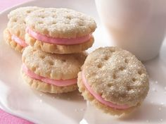 Yummy Little Almond Sandwich Cookies - Que Rica Vida