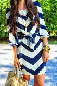 Love this take on a chevron dress! - Blue and white chevron dress Fashion Mode, Look Fashion, Womens Fashion, Street Fashion, Fashion 2015, Luxury Fashion, Spring Fashion, Beach Fashion, Vogue Fashion