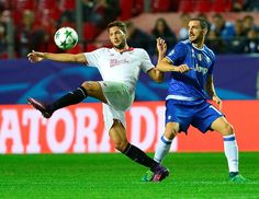 10-man Sevilla furious as Juventus fightback to qualify   Seville (Spain) (AFP)  Sevilla were left fuming at English referee Mark Clattenburg as Juventus came from behind to win 3-1 in Spain and seal their place in the last 16 of the Champions League on Tuesday.  The hosts made the perfect start through Nico Parejas ninth minute opener but were reduced to 10 men after just 36 minutes when Franco Vazquez was shown a second yellow card by Clattenburg.  A controversial Juventus penalty…