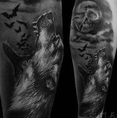 Loup hurlant a la nuit des morts Wolf Tattoos Men, Best Leg Tattoos, Arm Tattoos For Guys, Body Art Tattoos, New Tattoos, Animal Sleeve Tattoo, Sleeve Tattoos, Lobo Tribal, Wolf Sleeve