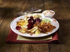 Das Rezept für Gemüse-Chips mit dreierlei Dips und weitere kostenlose Rezepte auf LECKER.de
