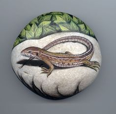 Lizard, paint on stone by Roberto Rizzo--I would like to try doing a lizard on a rock for my daughter; itll never be as lovely as this one, but I can learn a lot from studying this piece! Just beautiful!