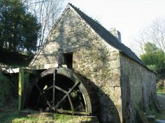 Moulins de Kérouat #campingcar Camping Car, Le Moulin, Architecture, Beautiful Places, Water Wheels, Cabin, Windmills, House Styles, Water Mill