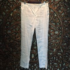 Vince white linen pants 100% linen straight leg pants. False front pockets Vince Pants Trousers