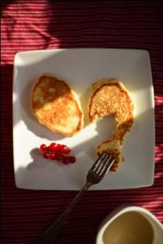 Healthier Applesauce and Oatmeal Pancakes