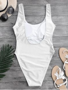 Traje de Baño Corte Alto Escotado por Detrás - Blanco M Backless One Piece Swimsuit, White Swimsuit, One Piece Swimwear, Bodysuit, Beachwear Fashion, Collar Pattern, Bra Styles, High Cut, Fashion News